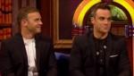 Gary et Robbie interview au Paul O Grady 07-10-2010 17cfce101825098