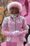 "Nov 25, 2010 - Keri Hilson - ""Macy's Thanksgiving Day"" 84th Annual Parade In NYC D64f4d108236057"