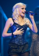 Nov 24, 2010 - Pixie Lott - The Crazycats Tour 3bf085108401992