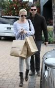 Nov 28, 2010 - LeAnn Rimes - Shopping in Malibu Ad42e0108688267