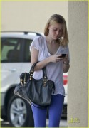 Dakota Fanning / Michael Sheen - Imagenes/Videos de Paparazzi / Estudio/ Eventos etc. - Página 2 B567c4108696240