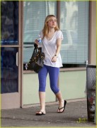 Dakota Fanning / Michael Sheen - Imagenes/Videos de Paparazzi / Estudio/ Eventos etc. - Página 2 C8c094108696216