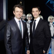 Dakota Fanning / Michael Sheen - Imagenes/Videos de Paparazzi / Estudio/ Eventos etc. - Página 2 08218a110583130