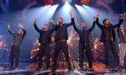 Take That au X Factor 12-12-2010 - Page 2 12af40111005874