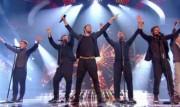 Take That au X Factor 12-12-2010 - Page 2 87455b111005914