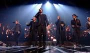 Take That au X Factor 12-12-2010 - Page 2 Cddbc3111005660
